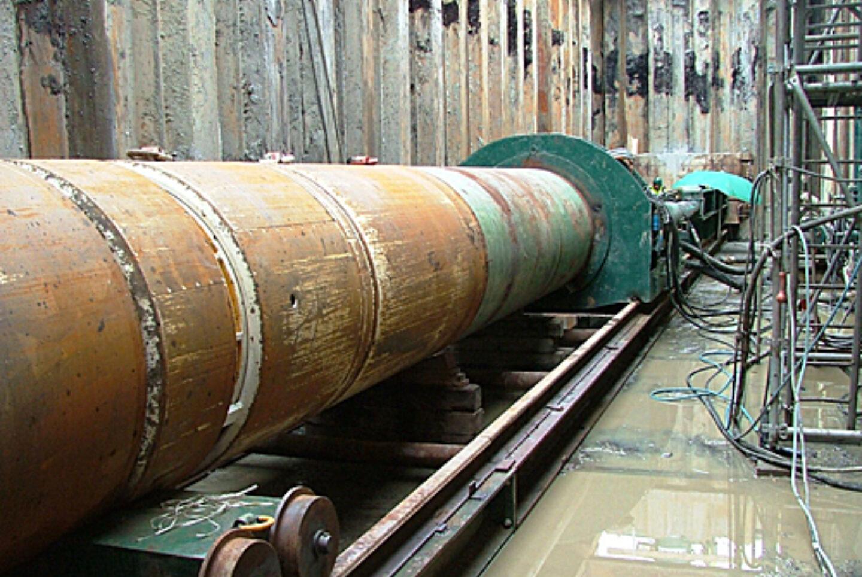 Opgebouwde Schildboormachine In Kuip Pc 389 Rk 122 A58